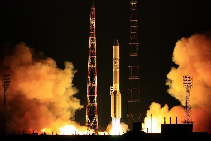 Nesėkmingai startavus Rusijos raketai prarasti du ryšių palydovai