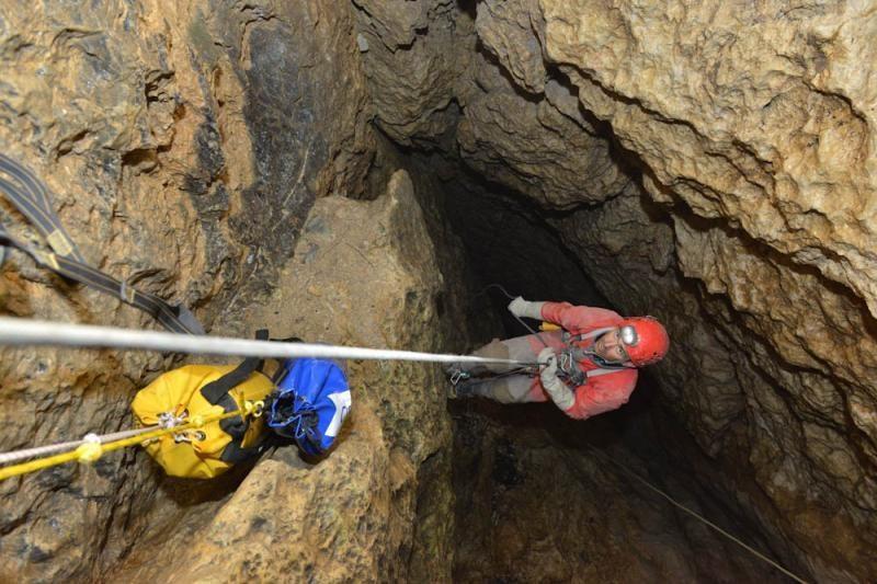 Atkurtas nutrūkęs ryšys su lietuvių speleologais