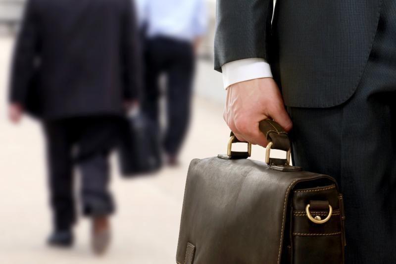 Lenkijoje už 7 bankų apiplėšimą teisiamas buvęs bankininkas