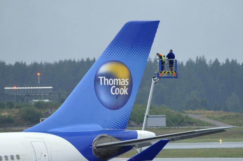 """""""Thomas Cook"""" lėktuve pasklidus dūmams, jis buvo saugiai nutupdytas"""
