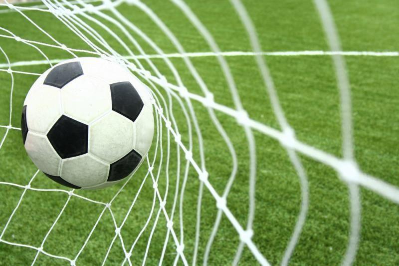 Lietuvos jaunių futbolo rinktinė turnyrą pradėjo lygiosiomis