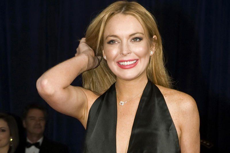 Lindsay Lohan pateko į automobilio avariją