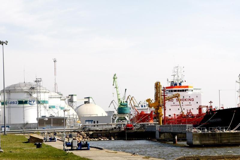 """""""Klaipėdos nafta"""" pakrovė 200-ąjį tanklaivį"""