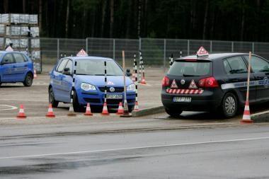 Patirtimi dalinsis vairuotojų rengimo specialistai
