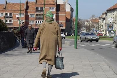 Klaipėdoje dar viena senolė patikėjo gausianti labdarą iš Vokietijos