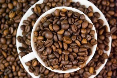 Kava gali apsaugoti nuo burnos ir gerklės vėžio