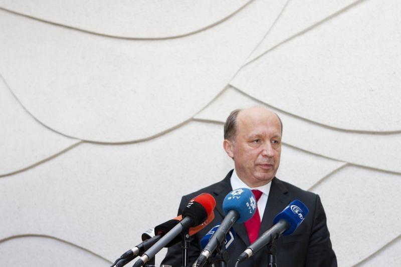 Premjeras remia siūlymą neleisti įmonėms remti partijų
