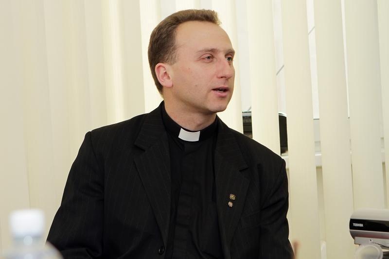 Kunigas V. Viktoravičius: musulmonai turi už ką numirti