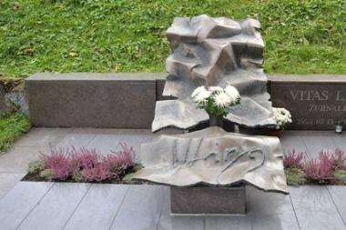 Vagys apiplėšė Vito Lingio kapą