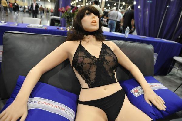 Sekso robotas apeliuoja į mintis