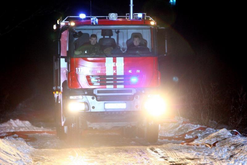 Klaipėdos rajone gaisro metu smalkėmis apsinuodijo nepilnametė