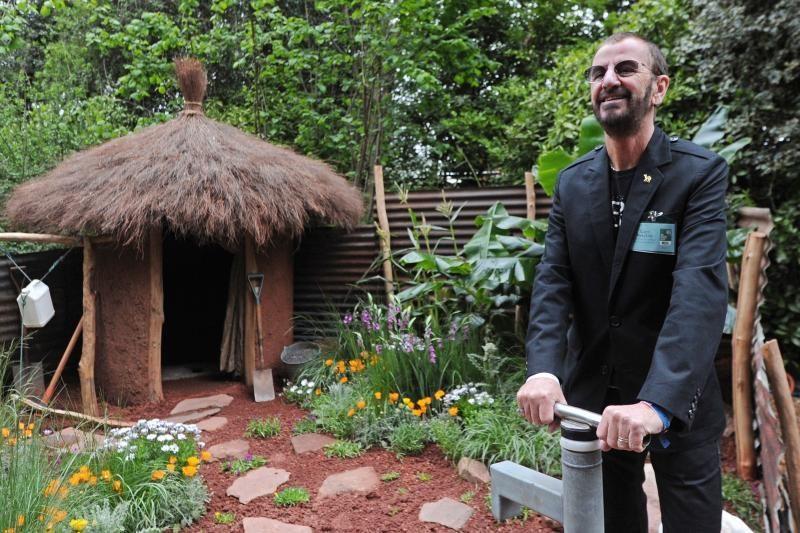 """""""Bitlas"""" Ringo Starras - turtingiausias pasaulio būgnininkas"""