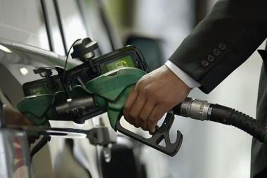 A-95 markės benzinas jau kainuoja daugiau kaip 4 litus