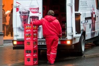 """Dėl netvarkingo vežėjo – nemalonumai """"Coca Colai"""""""