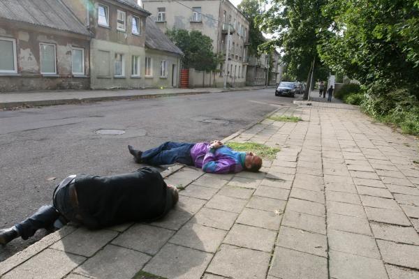 Klaipėdos girtuoklių iš viešųjų vietų neišbaidė ir vėsa