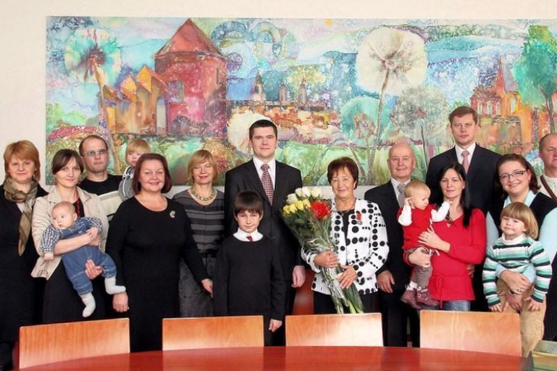 Devynis vaikus išauginusi kaunietė apdovanota medaliu