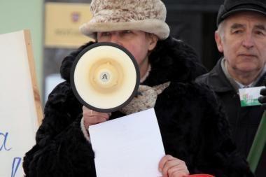 Visagine protestavo apie 3000 pabrangusiu šildymu nepatenkintų miestiečių