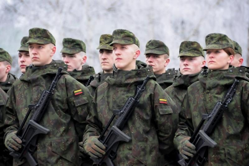 KAM į karinius mokymus vilioja subsidijomis, kurios dar netaikomos