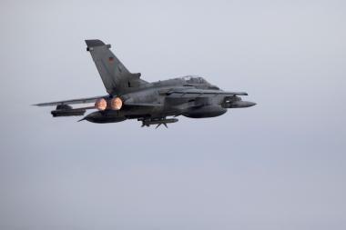 Dviem Rusijos bombonešiams priartėjus prie Latvijos, į orą pakelti NATO naikintuvai iš Šiaulių