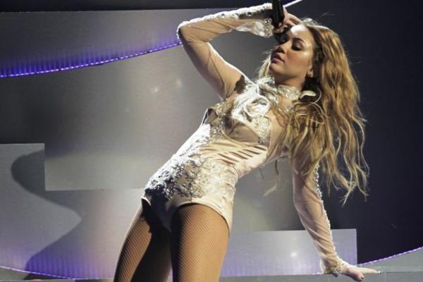 Holivudo žvaigždė M.Cyrus įsivėlė į skandalą dėl rūkomų kvaišalų
