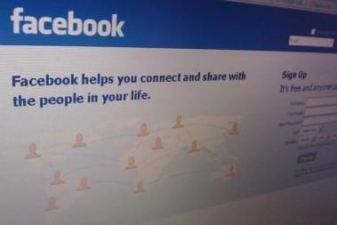 """""""Facebook"""" bendruomenė renkasi klube """"Woo"""""""