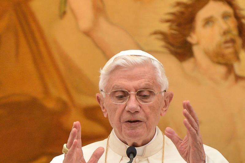 Popiežius ragina tikinčiuosius ignoruoti pasaulio pabaigos perspėjimus