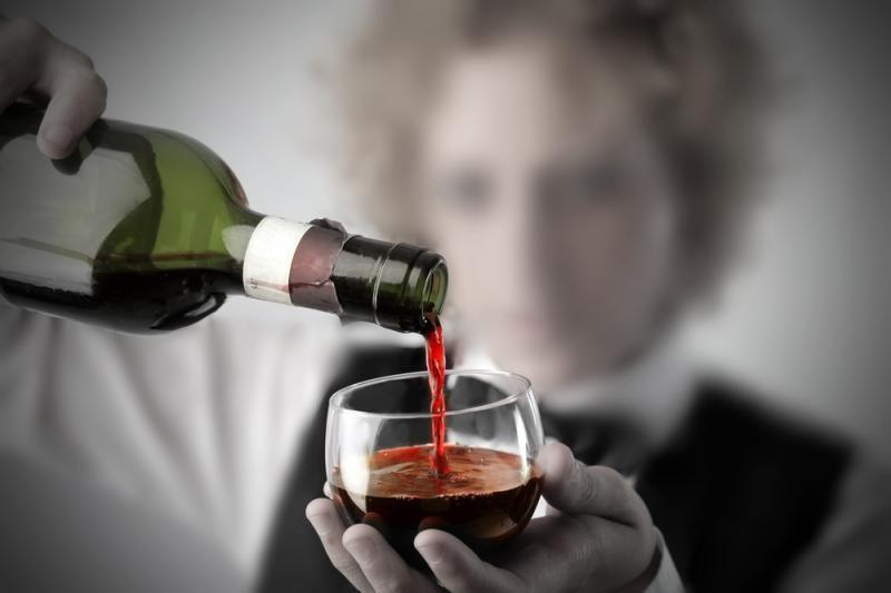 Parlamentarai daro pertrauką svarstymuose dėl alkoholio reklamos