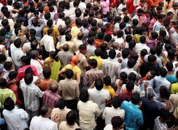 Per spūstį šventykloje žuvo 148 žmonės