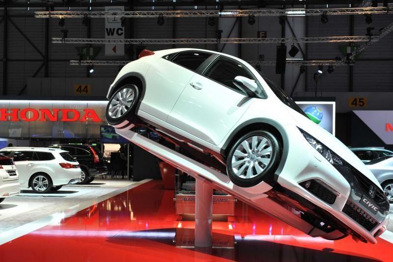 """""""Honda"""" išsklaidė baimes: """"Civic Type R"""" vis dėlto pasirodys"""