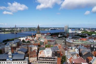 Permainos Latvijoje: didės pajamų mokestis, apmokestins turtą