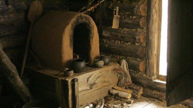 Radviliškio rajone jaunimas stovykloje puoselėja partizanų palikimą