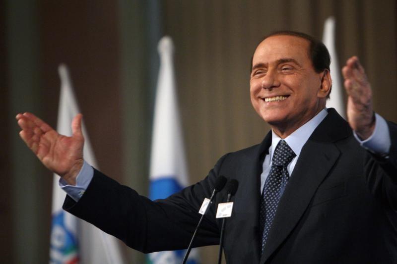 S. Berlusconi vadžias perduos politiniam įpėdiniui