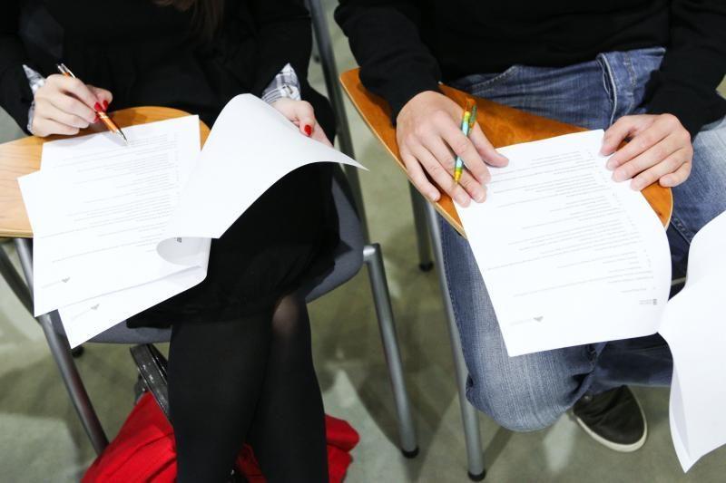 Užsienio kalbos ir matematikos egzaminai - visiems abiturientams