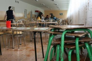 Vilniaus mokyklose norima uždrausti prekybą bulvių traškučiais, saldainiais