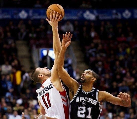 """NBA padangėje spindintis J. Valančiūnas: """"Privalau pagerinti gynybą"""""""
