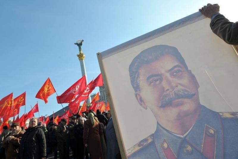 Rusijoje vėl pasirodys autobusai su Stalino portretu