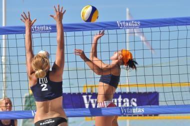 Lietuvos moterų paplūdimio tinklinio čempionate pirmauja vilnietės