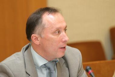 Sprendimas A.Brazausko karsto nenešti į Katedrą kelia spekuliacijų, sako A.Krupavičius