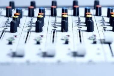 """Muzikos ir audiovizualinio meno skerspjūvis """"Garso zonoje"""