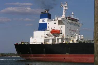 Klaipėdos uoste - tanklaivis su benzinu ir dyzelinu