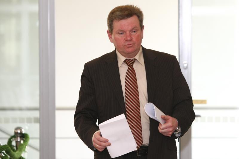 J.Narkevičius siūlo tautinėms mažumoms papildomai skirti pusę mln. Lt