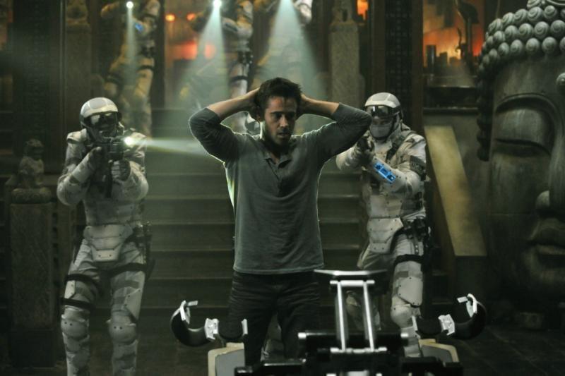 """Naujajame filme """"Viską prisiminti"""" Colinas Farrellas virsta superkariu"""