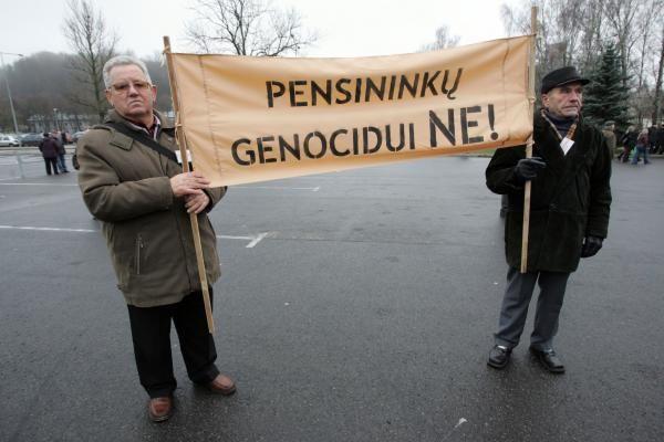 Lengvatų naikinimu pasipiktinę pensininkai Vilniuje rengs mitingą