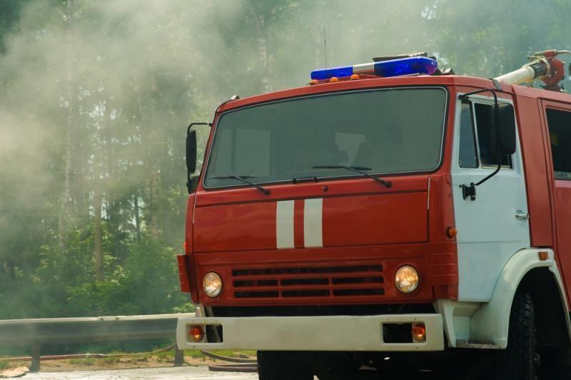 Užsiliepsnojus stogui, gaisre nukentėjo vyras