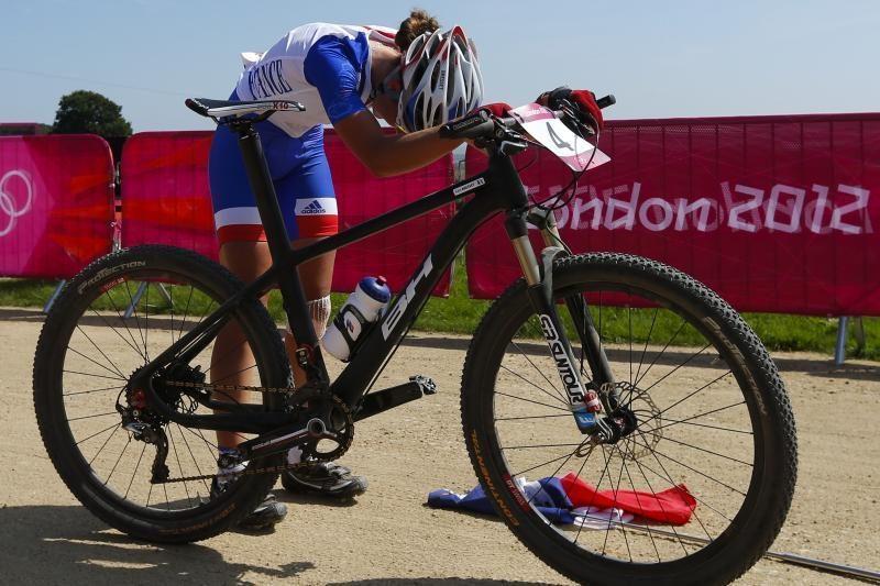 Vasaros žaidynių olimpinės čempionės auksą iškovojo kalnų dviratininkė