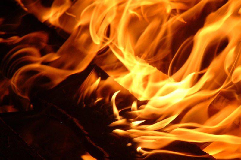 Didžiosios Riešės kaime sudegė statybininkų vagonėlis