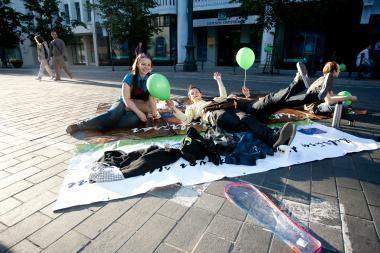 Vilniečiai protestavo prieš automobilių eismą Gedimino prospekte