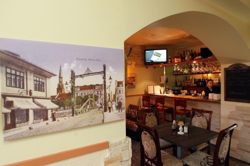Vilniaus centre atidarytoje kavinėje - uostamiesčio dvelksmas