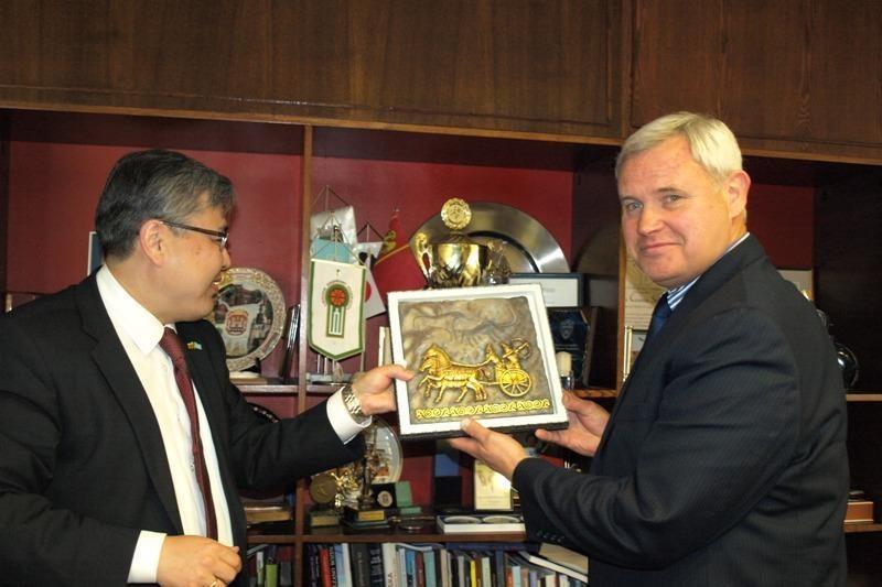 Kazachai tikisi glaudesnių ryšių su Klaipėdos uostu