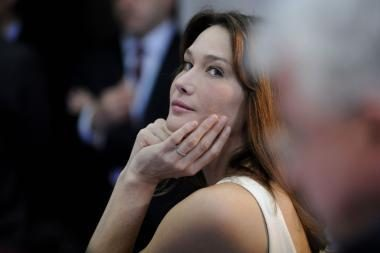 Pirmoji Prancūzijos dama: apie seksą 7 kalbomis